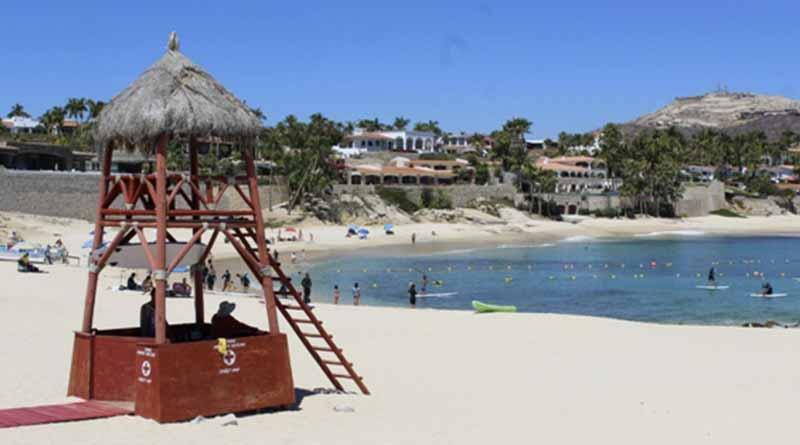 Oficinas e instalaciones de fileteo para pescadores en el balneario Palmilla