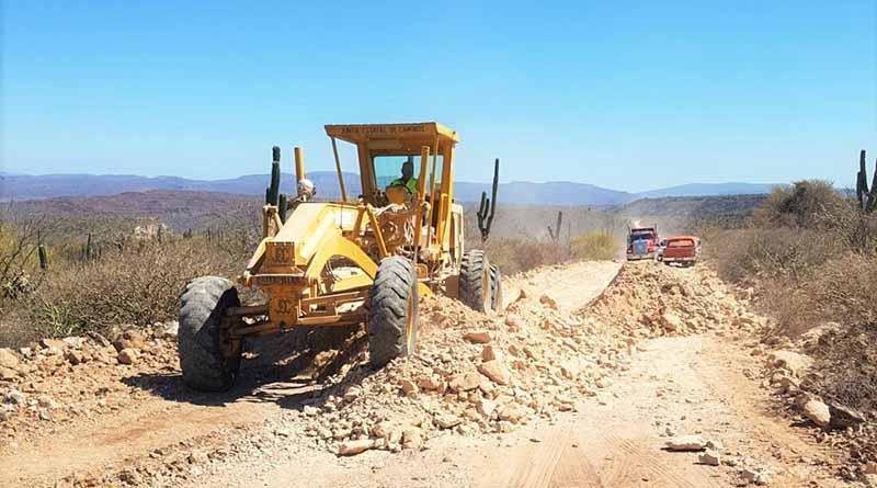 Avanza JEC BCS rehabilitación  de caminos rurales