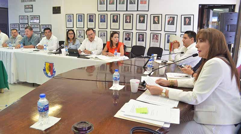 Se reune comision del agua del congreso con titulares OOMSAPAS y Comision Estatal de AGUA para analizar reforma a la ley que los regula: Dip. Eda Maria Palacios Marquez