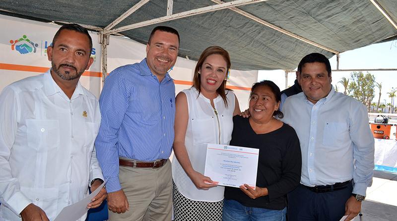 Entrega apoyos programa ¨Impulso Productivo Familiar¨ y ¨Asistencia de Vida¨a 60 familias