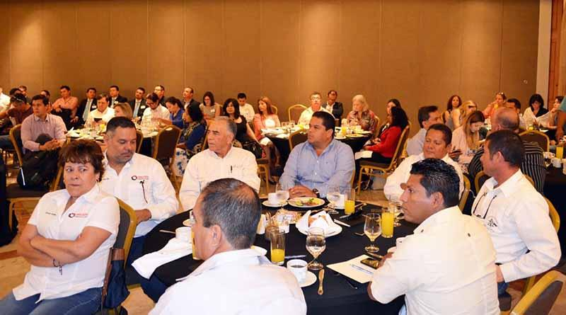 Participa gobierno municipal en foro de competitividad en empresas