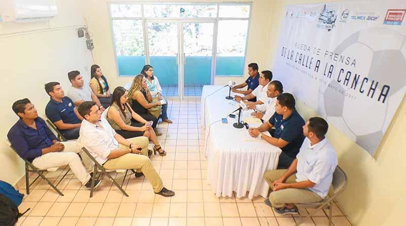 """Se invita a los jóvenes a participar en Torneo de Fútbol """"De la calle a la Cancha"""" 2017"""