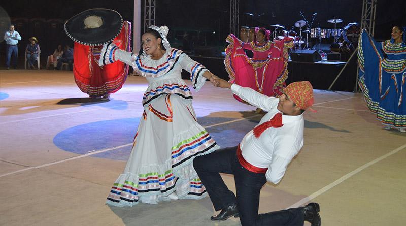 Invita gobierno de Los Cabos a las fiestas tradicionales de la comunidad de la playa