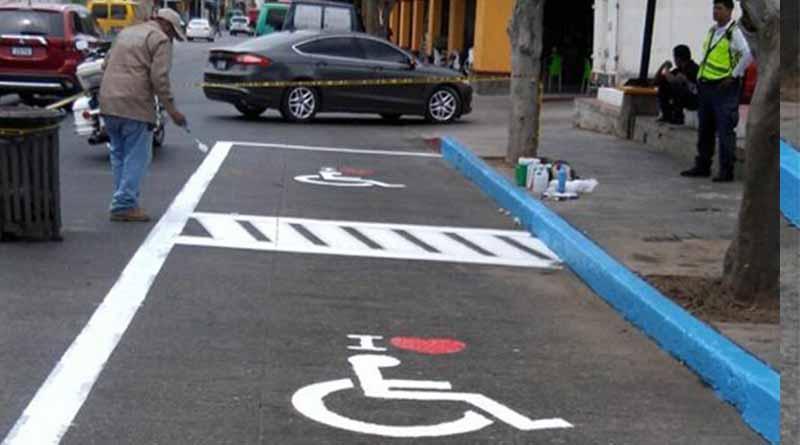 Logran espacios de estacionamiento para personas con discapacidad en el centro de CSL