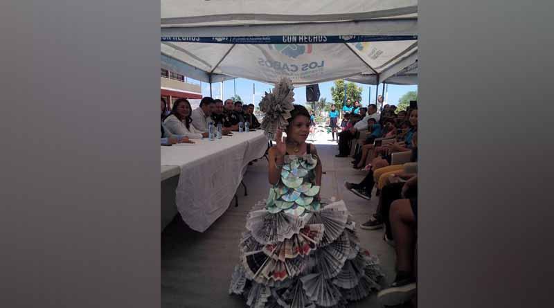 """Se conmemoró """"Día Mundial del Reciclaje"""" con un concurso de confección de vestidos en SJC"""