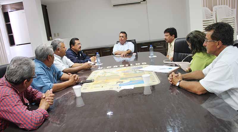 Reconocen Directivos de Secundaria Trabajo del Alcalde Francisco Pelayo