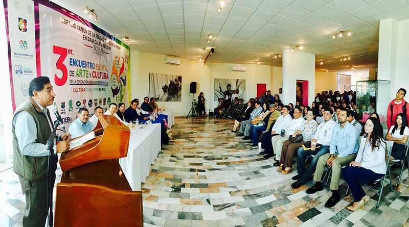 Participan estudiantes de bachillerato en tercer encuentro estatal de arte y cultura