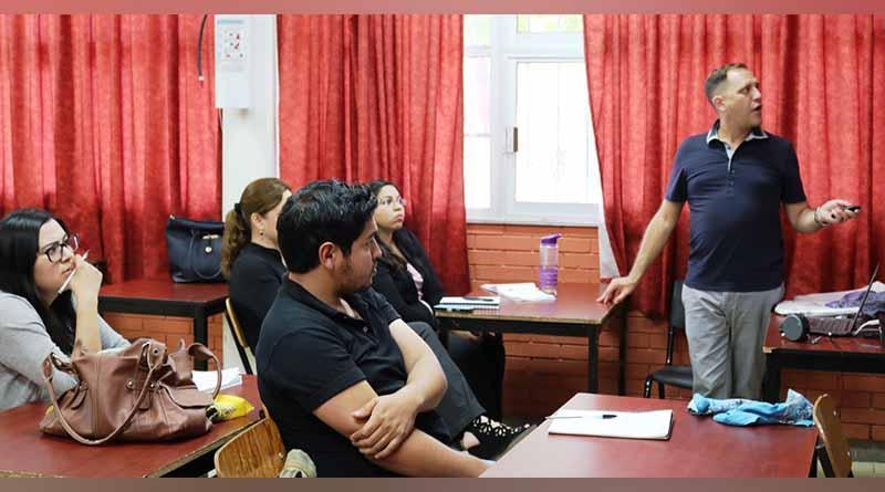 Capacita SEP a más de 200 docentes de inglés que atienden alumnos con discapacidad