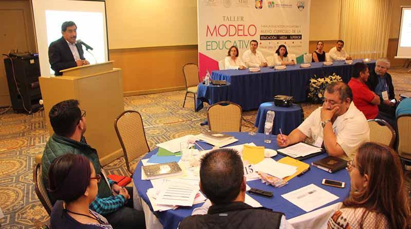 Docentes de educación media superior reciben capacitación sobre el nuevo modelo educativo: SEP
