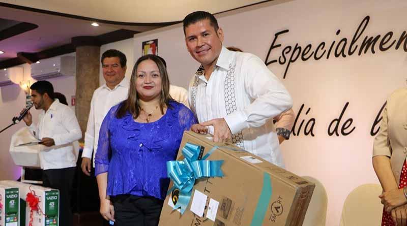 Reconoce Gobierno del Estado a madres trabajadoras: Álvaro de la Peña