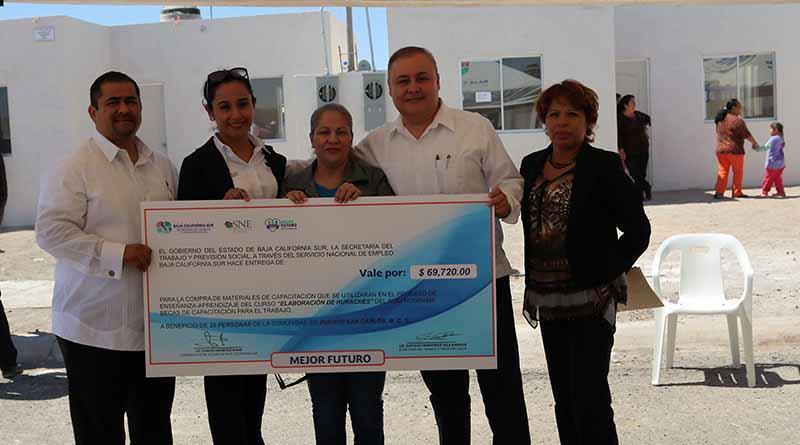Se impulsan programas de  apoyo al autoempleo en Puerto San Carlos