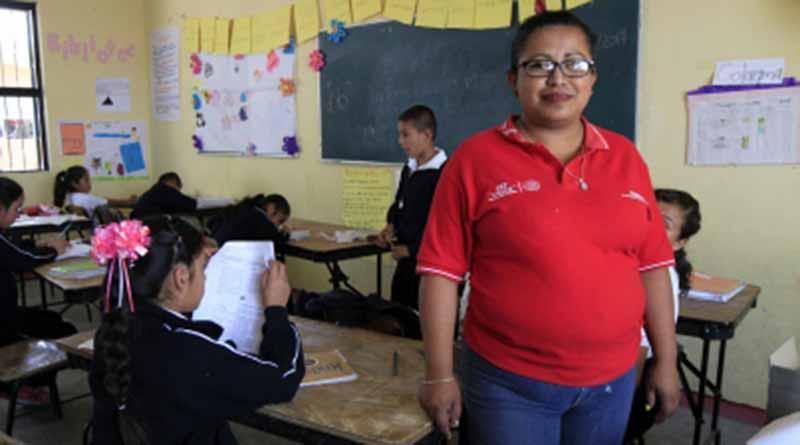 Líderes comunitarios, los otros maestros de México