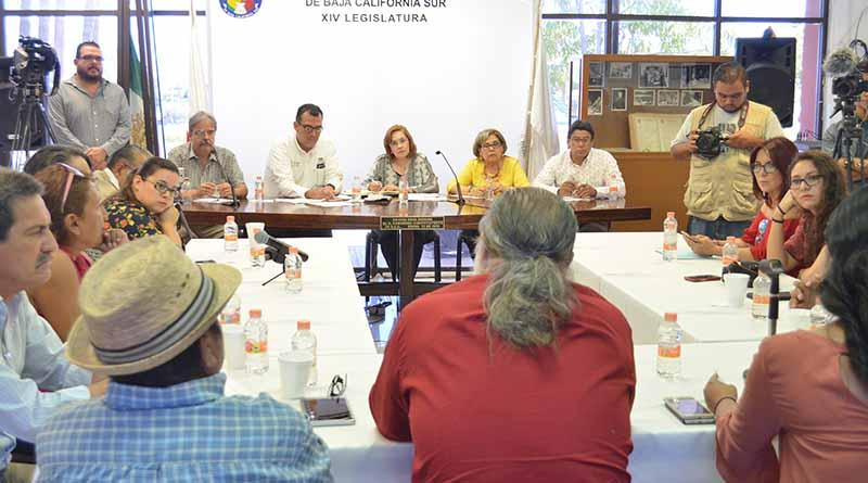 Reunión de comunicadores con la Comisión de Asuntos Educativos del Congreso del Estado