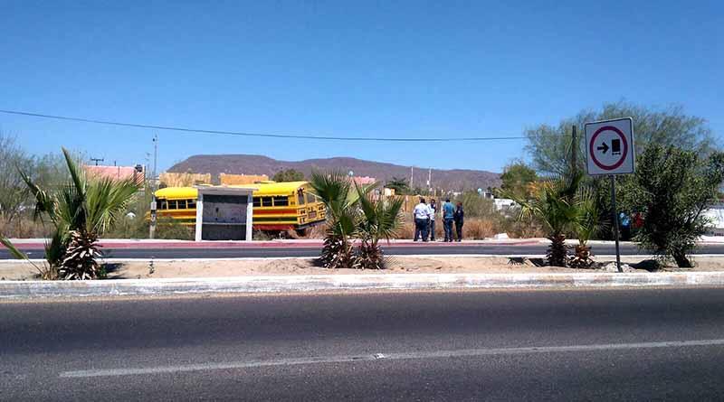 Camión de pasajeros se queda sin frenos en La Paz, 5 heridos