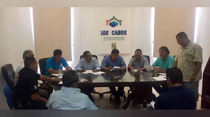"""Autoridades y organizadores sostienen reunión de logística previa a la carrera """"ORSAN CABO 250"""""""