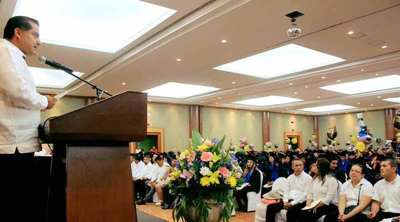 Ayuntamiento de los Cabos presentes en la graduación de 246 jóvenes del Cecyte 04 en SJC