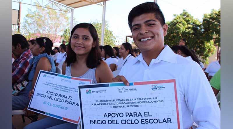 """""""Con el programa de apoyos de inicio al ciclo escolar, impulsamos el mejor futuro de la juventud"""": ISJ"""