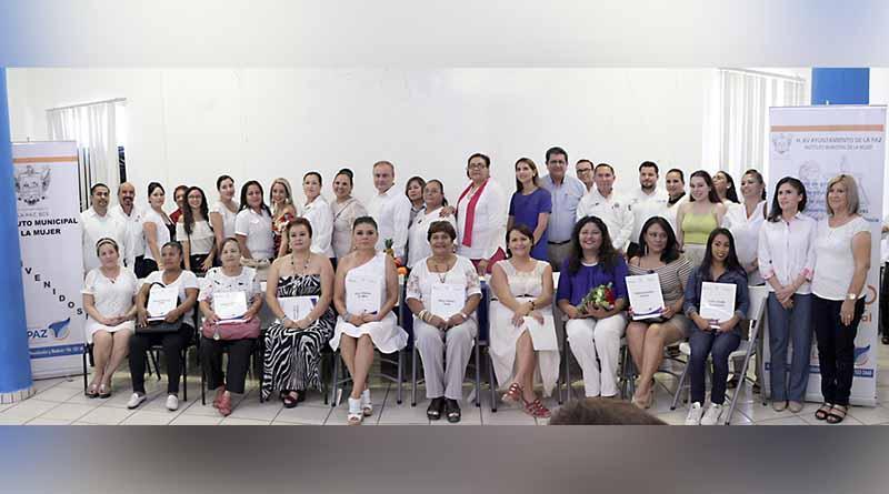 Instituto Municipal de la Mujer y la Secretaría del Trabajo y Previsión Social dieron clausura al taller de capacitación en elaboración de alimentos