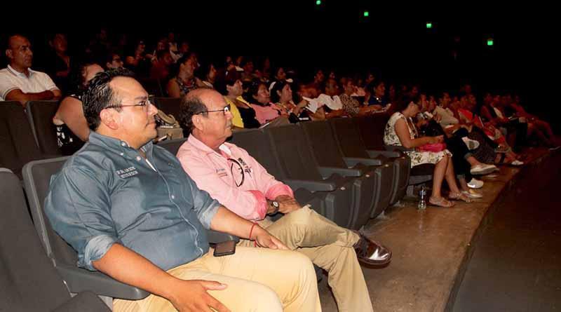 Gobierno municipal brinda a trabajadores conferencia magistral sobre salud emocional