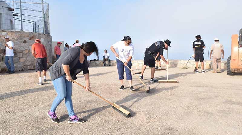 Funcionarios Públicos y vecinos realizan doble jornada de limpieza en CSL