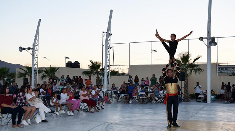 """Llevan programa """"Plazarte"""" a la Colonia Miramar de Cabo San Lucas"""