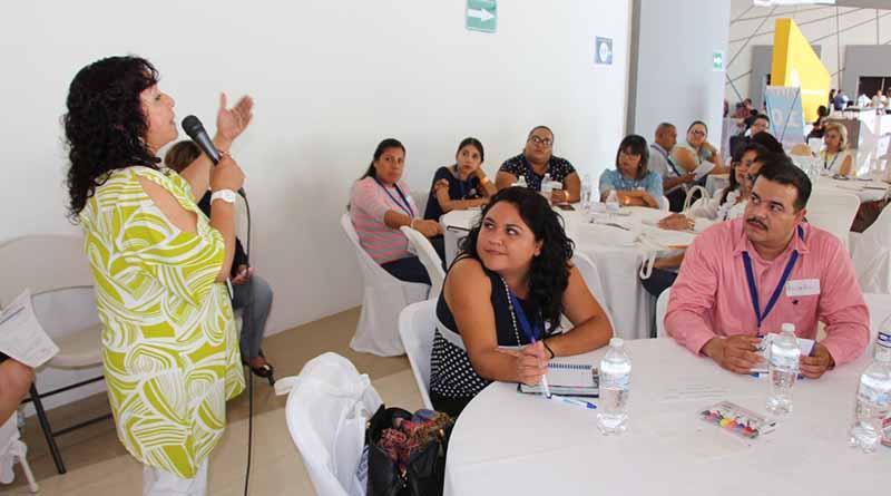 Capacitan a docentes para atender alumnos en situación de riesgo: SEP
