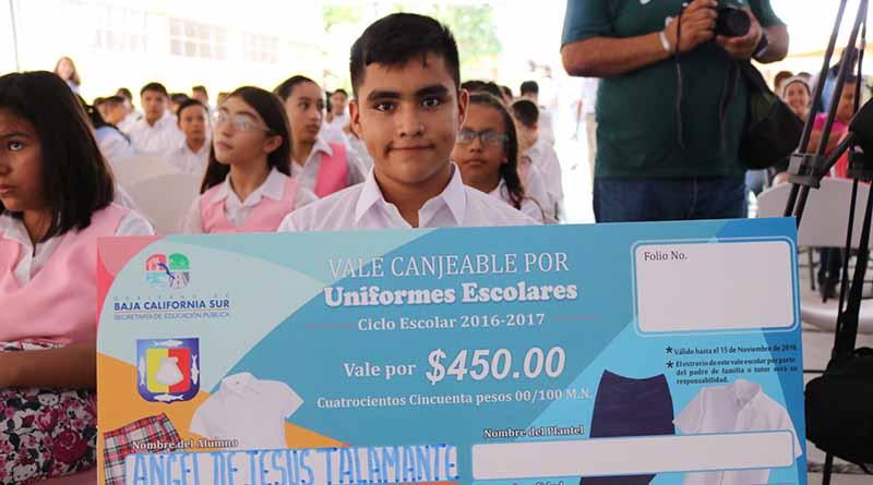 Invierte Gobierno Estatal más de 73 mdp en programa de apoyo de útiles y uniformes para alumnos de educación básica: SEP