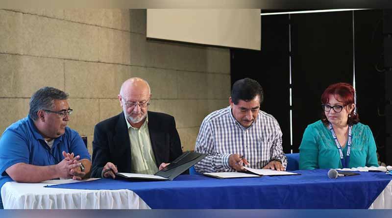 Signan convenio de colaboración académica SEP estatal con Atarfe España
