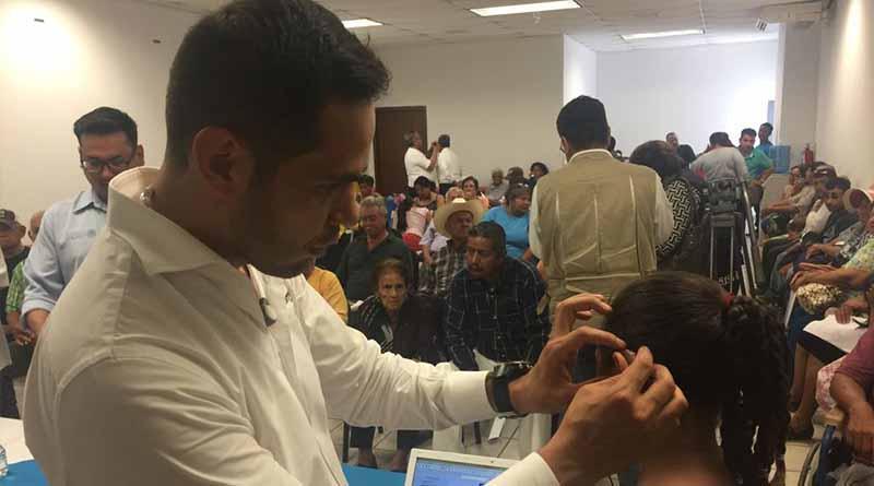 Gobierno de BCS mejora el futuro de personas vulnerables con entrega  de auxiliares auditivos