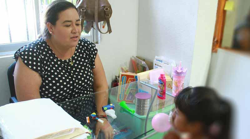 Continúa DIF Los Cabos atendiendo a niños con terapias de lenguaje gratuito