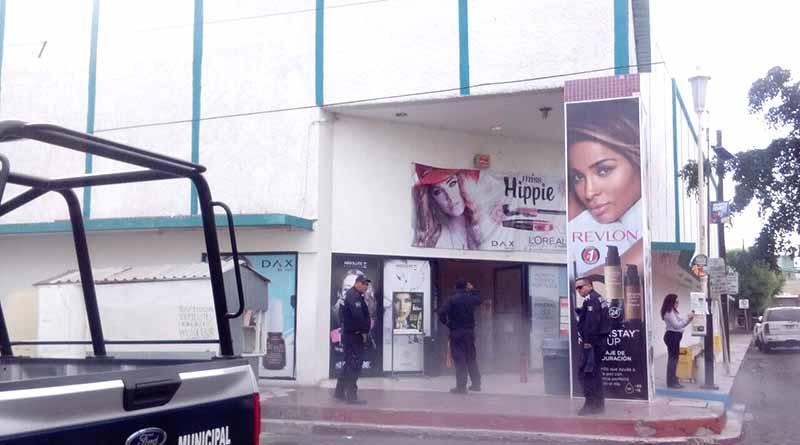 Sufre conato de incendio tienda DAX del centro de La Paz