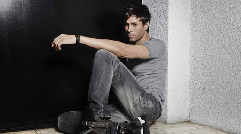 """Enrique Iglesias estrena versión en inglés de su éxito """"Súbeme la radio"""""""