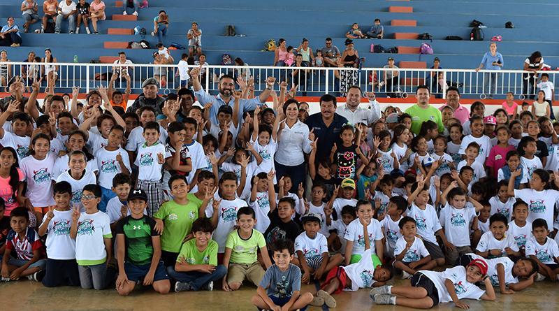 """Más de 600 niños y jóvenes participan en los cursos de verano deportivos """"Los Cabos 2017"""" en SJC y CSL"""