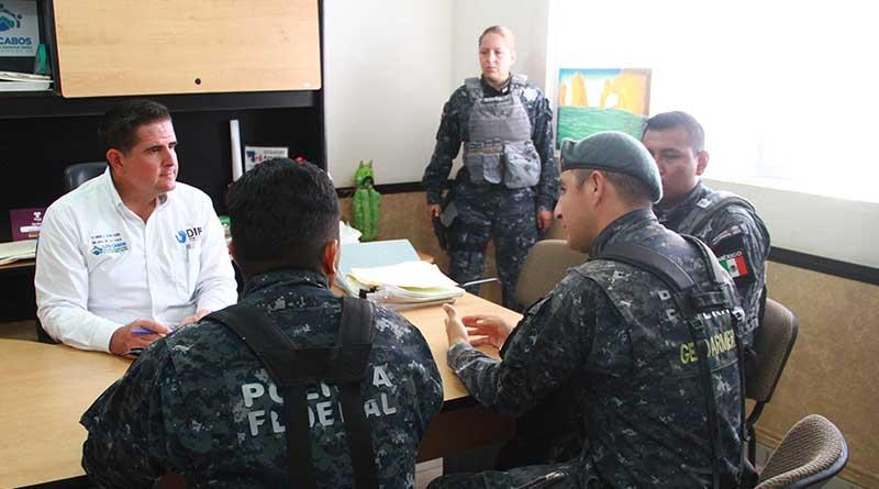 A favor de la población  suman esfuerzos DIF Los Cabos y división Gendarmería