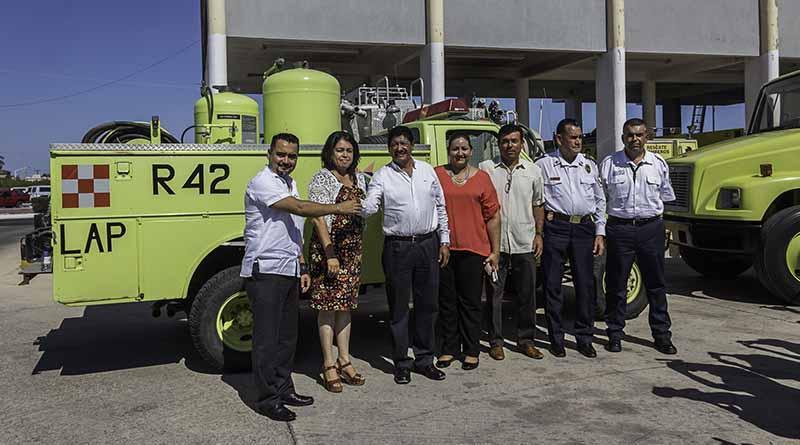 Recibe parque vehicular Bomberos de La Paz