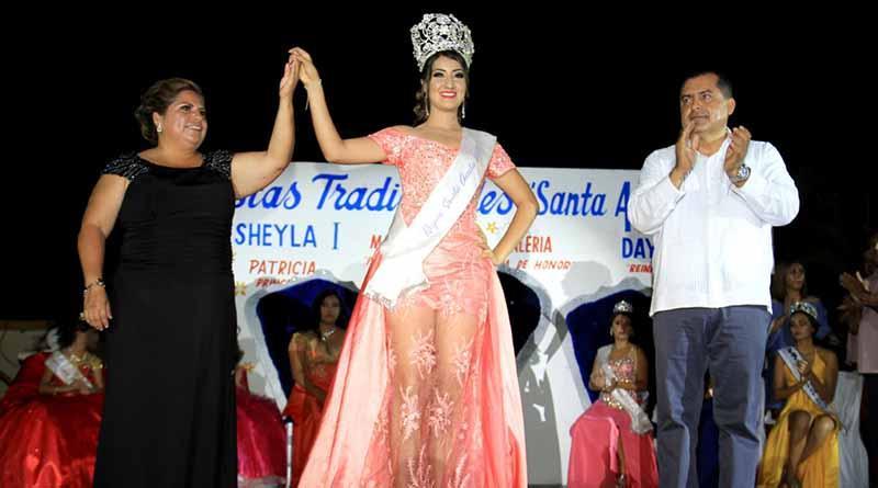 Corona Secretario General a Sheyla I en Fiestas Tradicionales de Santa Anita