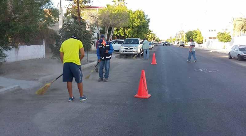 Servicios Públicos continúa con el barrido manual en bulevares y avenidas del centro de la ciudad