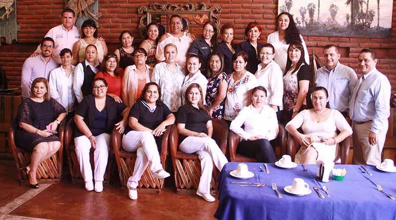 Celebra DIF Los Cabos y dirección de salud a trabajadoras sociales del municipio