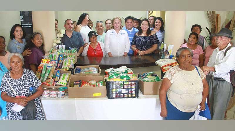 Recibe DIF Los Cabos donación de 450 kilos de comida por parte de comendiante local