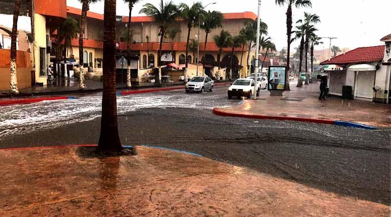 Núcleo nuboso del Golfo de California provoca fuertes lluvias en SJC y CSL