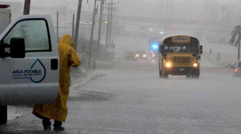 Pronostican lluvias torrenciales desde hoy hasta el viernes en Los Cabos, autoridades se preparan