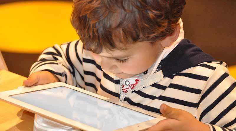 Pasos sencillos y firmes, para que los niños naveguen seguros en Internet