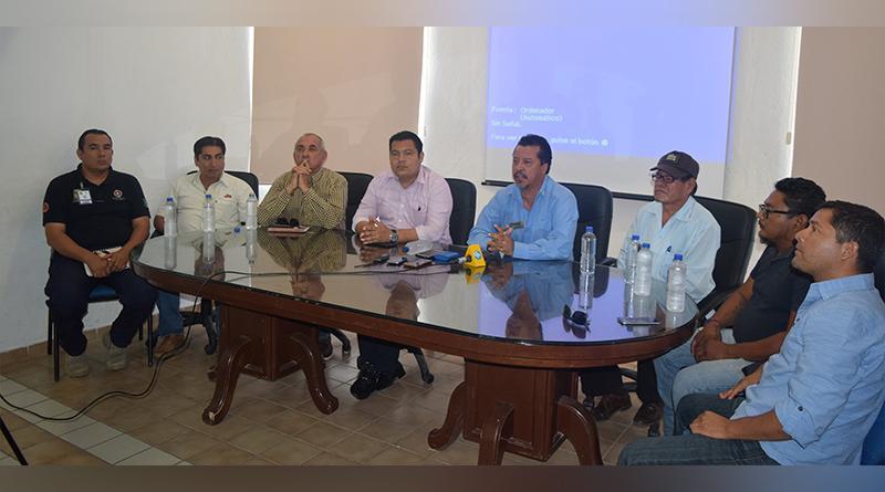 Acuerdos entre autoridades de transporte municipal y gremios de camiones materialistas