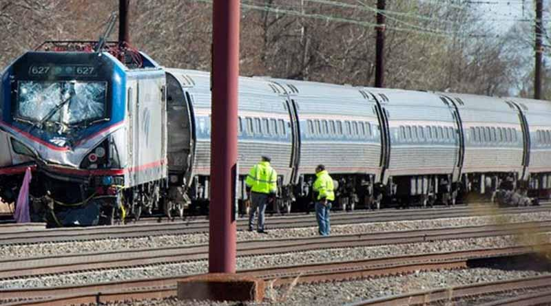 Deja 42 heridos choque de trenes en Filadelfia