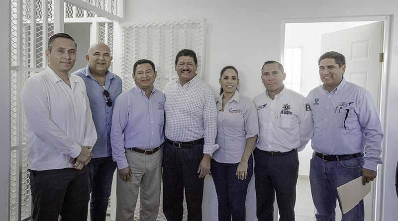 Alcalde de La Paz entrega comandancia de policía en la colonia Márquez de León