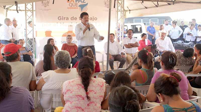 Habitantes de la colonia La Pitahaya  se benefician con acciones sociales y rehabilitación del parque público