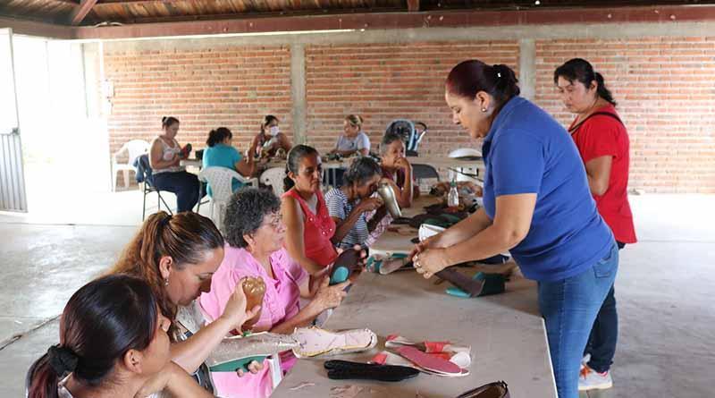 """IMMUJER, lleva talleres a la zona rural del programa """"Mujeres autosuficientes y con propósito"""""""