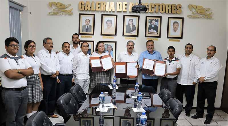 Firman convenio la STPS y el CECYTE
