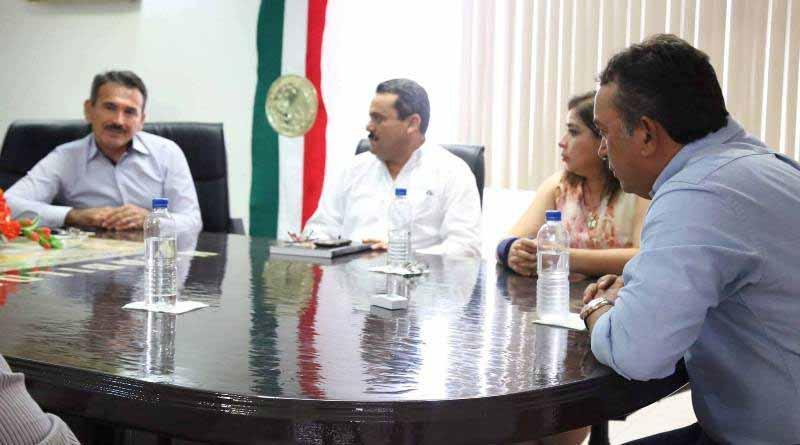 Atiende Alcalde Francisco Pelayo Inquietudes de Prim. Valle de Santo Domingo