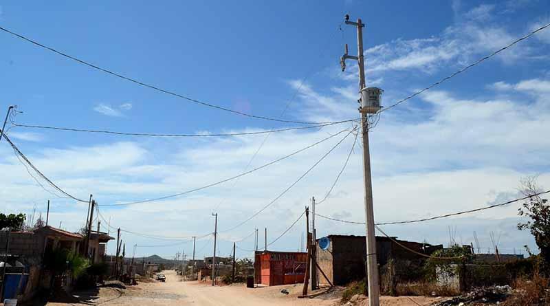Se avanza en la ampliación e introducción de energía eléctrica en colonias populares de CSL